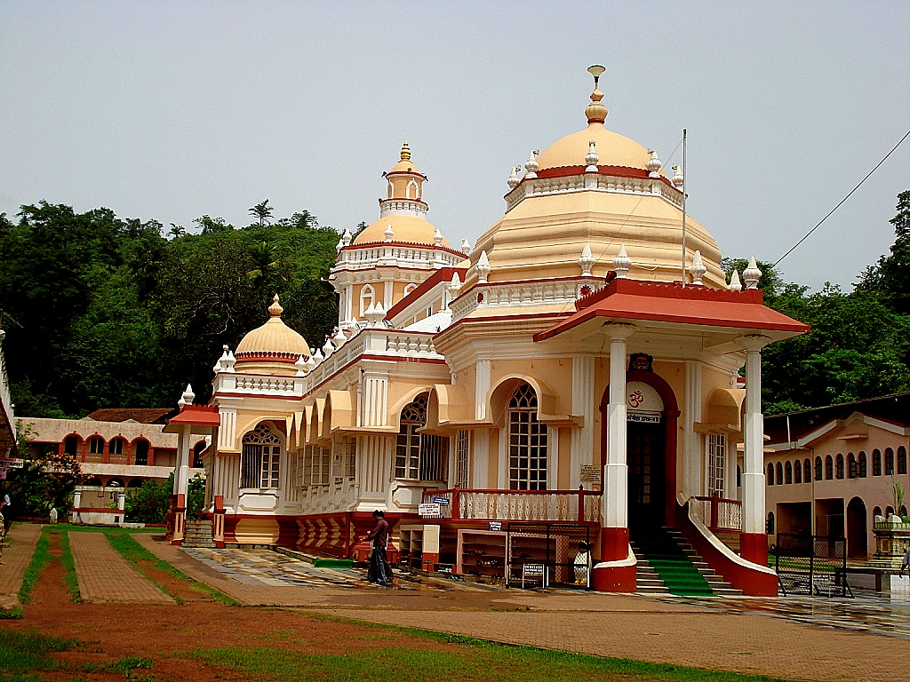 Mangeshi Temple is the best places to visit in Goa