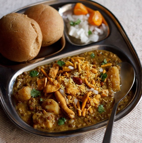 Misal Pao from the Streets of Bombay
