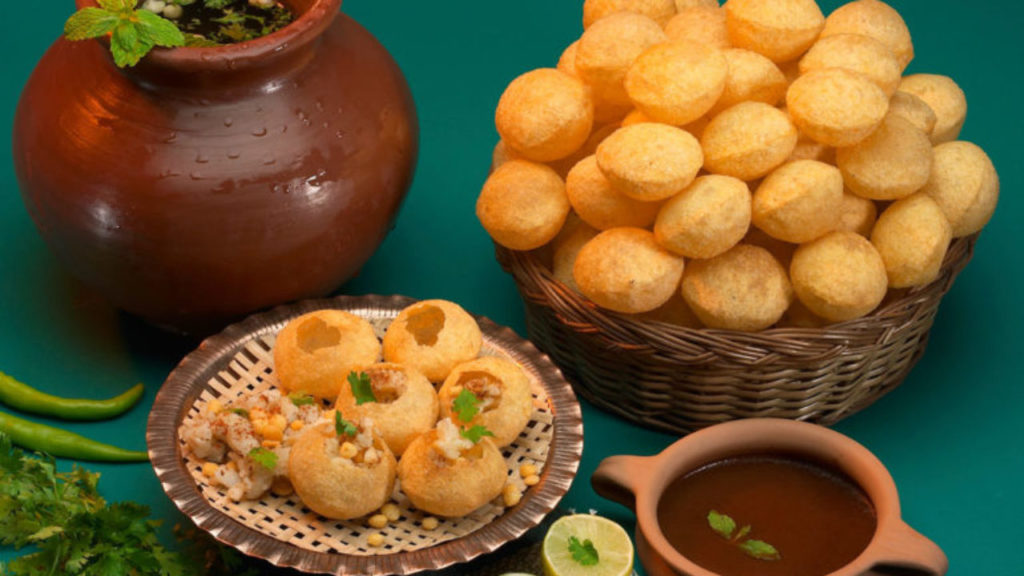 Puchkas, the Tiny Bombs from Bengal