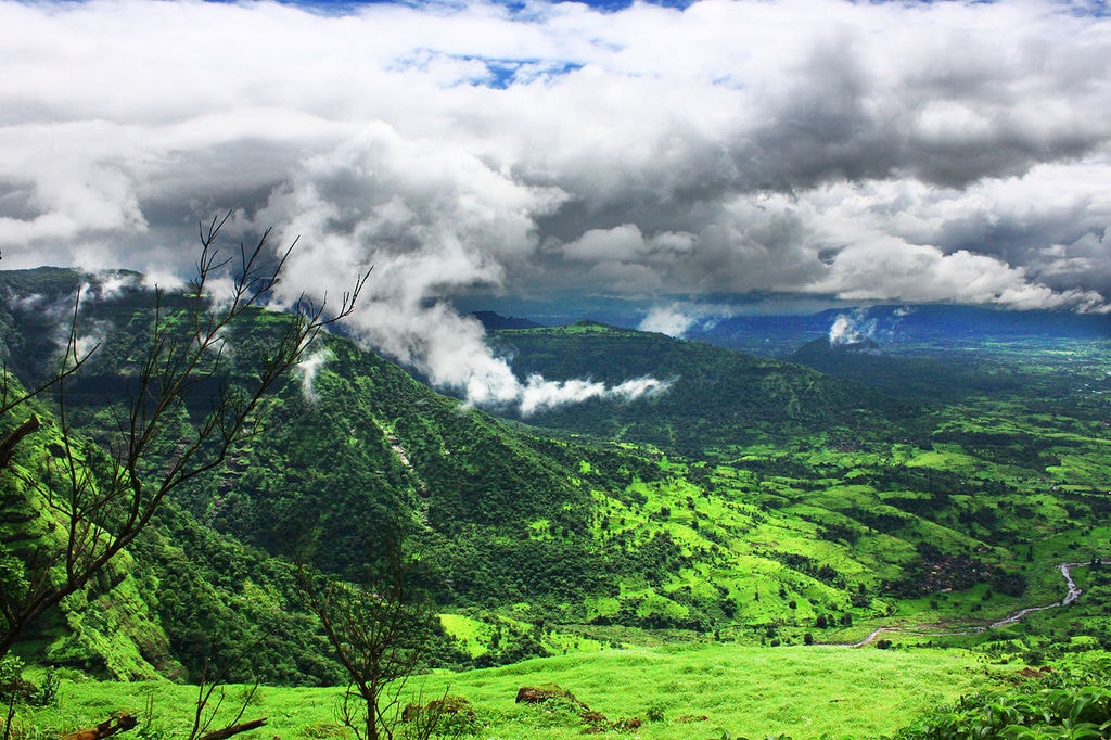 13 Best Hill Stations Near Mumbai To Soothe Your Senses