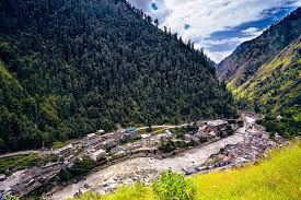 Kullu is one of the best Hill Stations Near Chandigarh