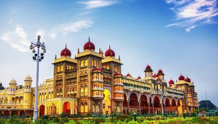 Mysore – Of Silk, Sandalwood, And Sweets