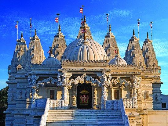 Swaminarayan Temple – A Work Of Wonder And Awe