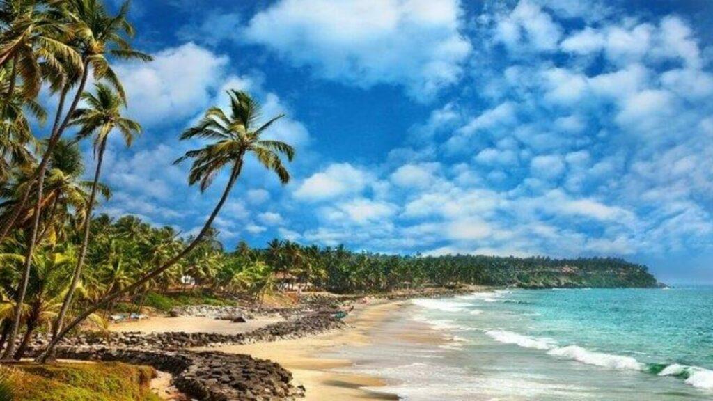 Thirumullavaram Beach: For Enjoyment