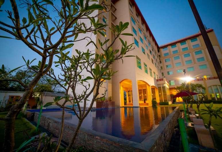 Ramada Hotel Jaipur