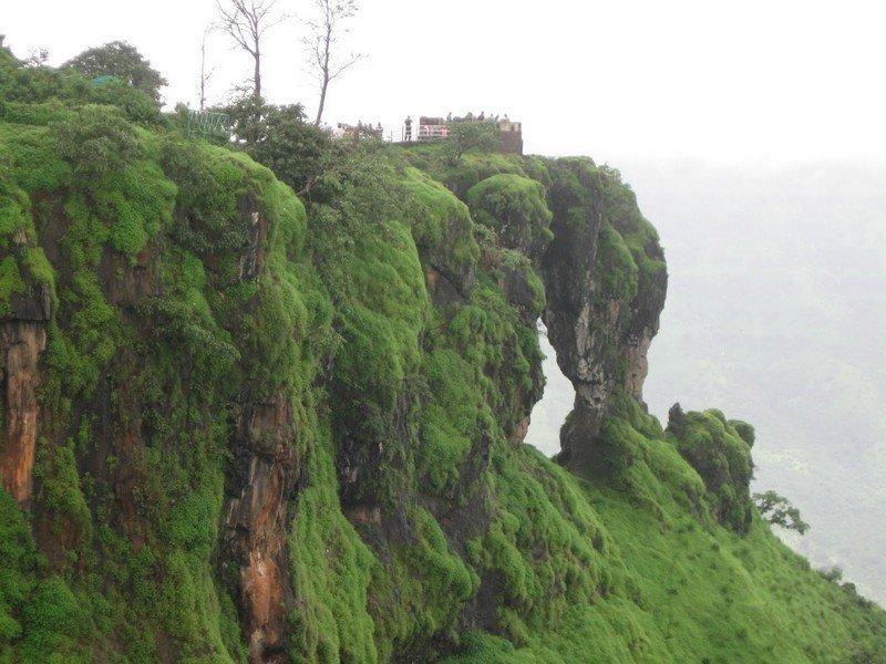 Mahabaleshwar: Famous For Its Raw Natural Beauty