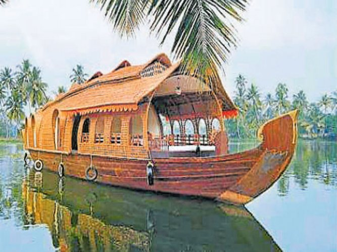 Savoy Group Of Houseboats: Traditional Stay