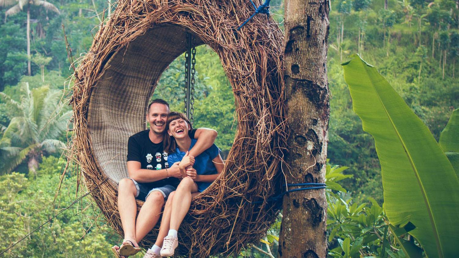 Ooty Honeymoon Packages | Ooty Tour Package for Couple
