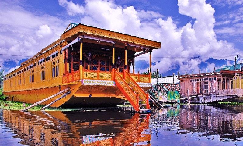 Kashmir Group Of Houseboats: Upholding Kashmir Tourism