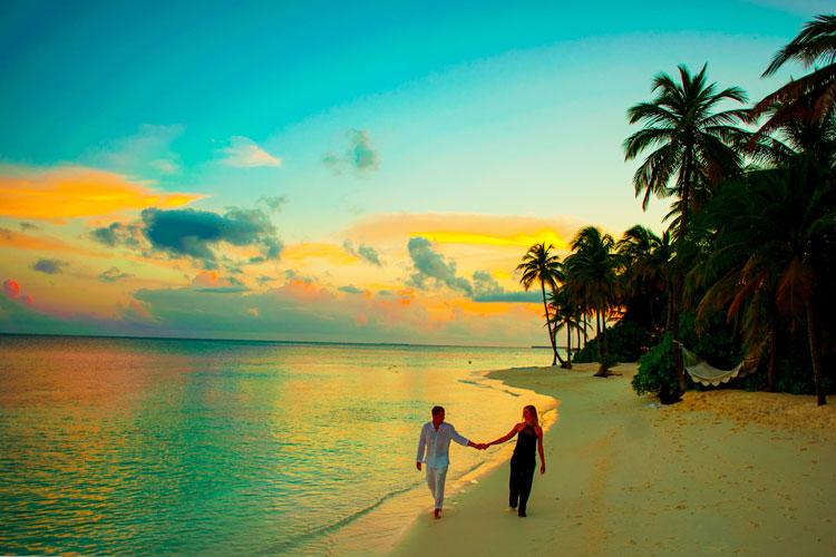 Kadmat Island: Perfect For Honeymooners