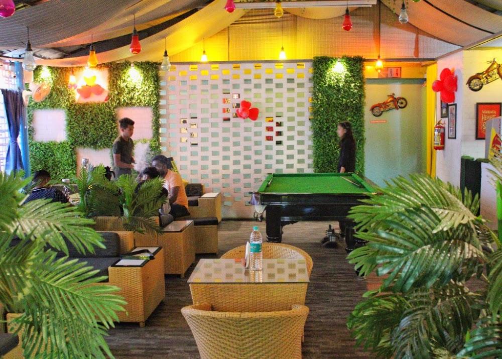 Vacationer Cafe