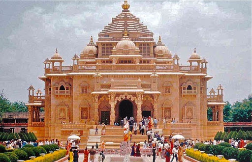 15 Magnificent Temples In Gujarat For A Divine Holiday In 2021!